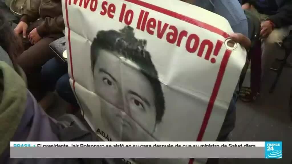 """2021-09-22 22:12 Matanza de Ayotzinapa: hubo """"prácticas ilícitas"""" para sustentar la versión de Enrique Peña Nieto"""