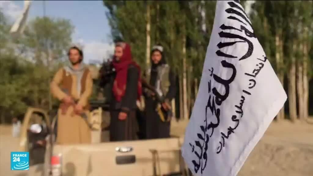 طالبان تعترف بقتل شرطي وممثل فكاهي انتشرت صور جثته