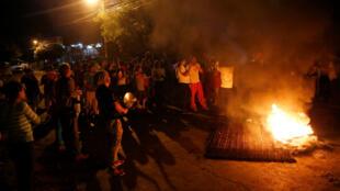 Protestas para denunciar las sospechas de fraude en el recuento de los votos de los comicios presidenciales en Tegucigalpa, Honduras, el 3 de diciembre del 2017.