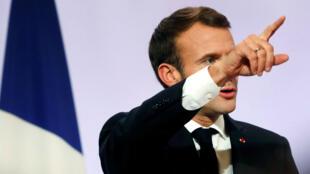 El presidente de Francia, Emmanuel Macron, pronuncia un discurso durante una reunión con alcaldes, en el Palacio del Elíseo, en París, el 21 de noviembre de 2018.