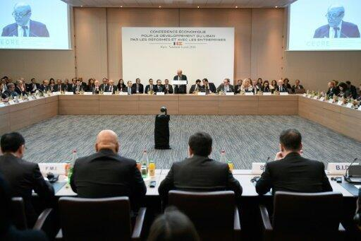 """وزير الخارجية الفرنسي جان إيف لودريان يتحدث خلال مؤتمر """"سيدر"""" الدولي لدعم الاقتصاد اللبناني في باريس في 6 نيسان/أبريل 2018"""