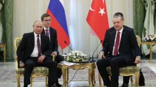 Vladimir Poutine et Recep Tayyip Erdogan lors d'une précédente rencontre, à Téhéran, le 7 septembre 2018.