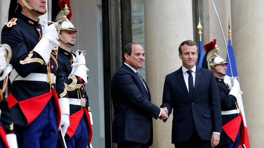 El Presidente Emmanuel Macron recibe su homólogi egipcio, en el Palacio del Eliseo, París, el 24 de octubre de 2017.