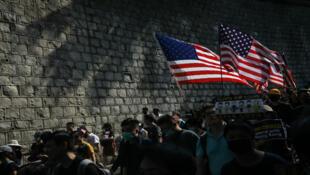 Des manifestants devant le consulat américain à HongKong, le 8septembre2019.