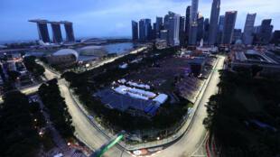 حلبة مارينا باي التي تستضيف جائزة سنغافورة الكبرى لسباقات فورمولا واحد، في صورة مؤرخة في 17 أيلول/سبتمبر 2017.