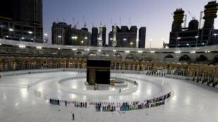 À l'exception de La Mecque, les couvre-feux seront assouplis en journée en Arabie saoudite à partir du 26 avril 2020, selon un décret royal.