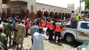 مسرح أحد التفجيرين الانتحاريين في نجامينا في 15 حزيران/يونيو 2015