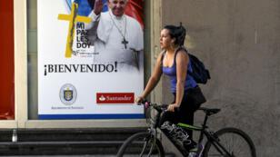 Le pape François est attendu, lundi 15 janvier, au Chili pour sa sixième visite en Amérique latine.