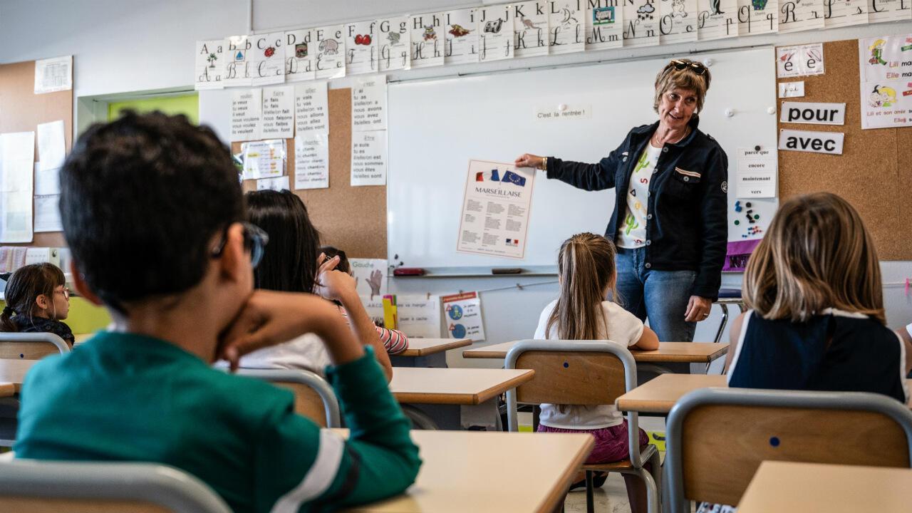 Une institutrice de l'école primaire Jules Ferry, à Aytré, en Charente-Maritime, le 2 septembre 2019.