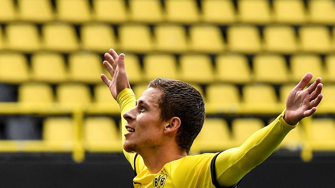 Bundesliga-return-yellow-wall-empty