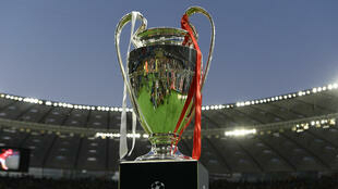 Foto del trofeo de la UEFA Champions League antes de la final entre Liverpool y Real Madrid en el estadio Olímpico de Kiev, Ucrania, el 26 de mayo de 2018 (Imagen de archivo).
