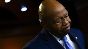 """Donald Trump a suscité la colère des démocrates samedi 27 juillet après ses propos """"racistes"""" à l'encontre d'Elijah Cummings, un élu noir de Baltimore."""