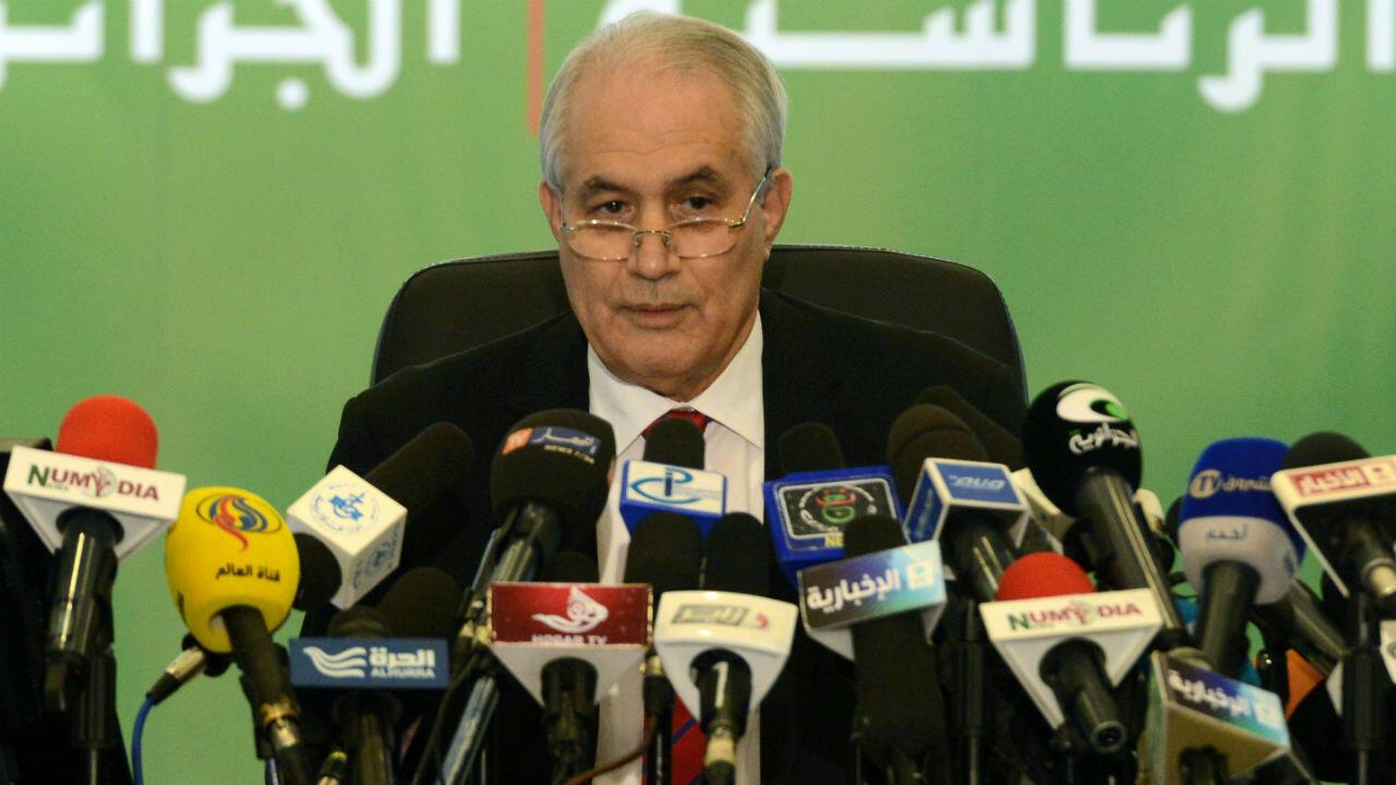 الطيب بلعيز في مايو/أيار 2014، معلنا بصفته وزيرا للداخلية نتائج الانتخابات الرئاسية