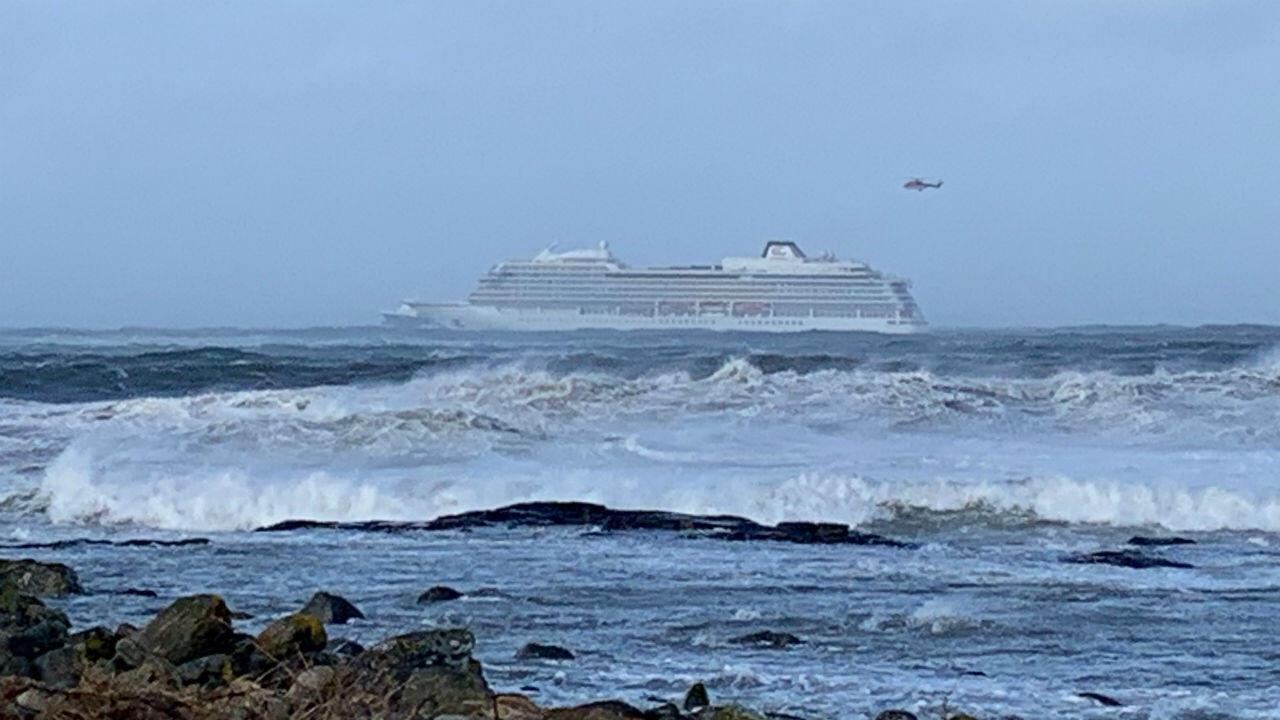 Avec 137 occupants, le navire de croisière Viking Sky, victime le 23 mars d'une panne moteur dans des eaux périlleuses au large de la Norvège,