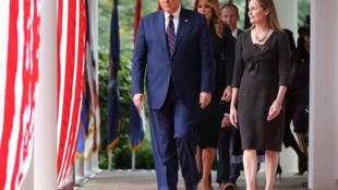 آمي كوني باريت رئيسة المحكمة العليا الأمريكية المحتملة