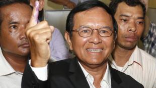 Kem Sokha, 64 ans, dirige le Parti du sauvetage national du Cambodge (CNRP), principal parti d'opposition cambodgien.