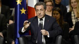 Nicolas Sarkozy, lors du meeting de Vélizy-Villacoublay, le lundi 6 octobre 2014.