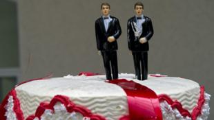 Una torta de casamiento muy polémica. La decisión de la Suprema Corte estadounidense es un revés para los derechos de los homosexuales.