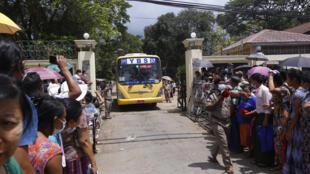 myanmar prisoners