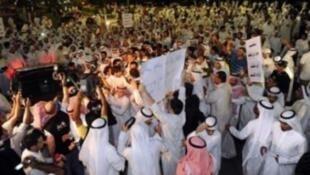 """تظاهر الآلاف من """"البدون"""" في الكويت خلال الأعوام الماضية للمطالبة بالجنسية"""