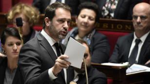 Le porte-parole du gouvernement Christophe Castaner en pleine session de questions aux gouvernement à l'Assemblée nationale, le 14novembre 2017.