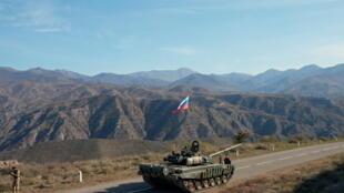 2020-11-10T121457Z_433171422_RC2C0K9H8QNH_RTRMADP_3_ARMENIA-AZERBAIJAN-RUSSIA-PEACEKEEPERS