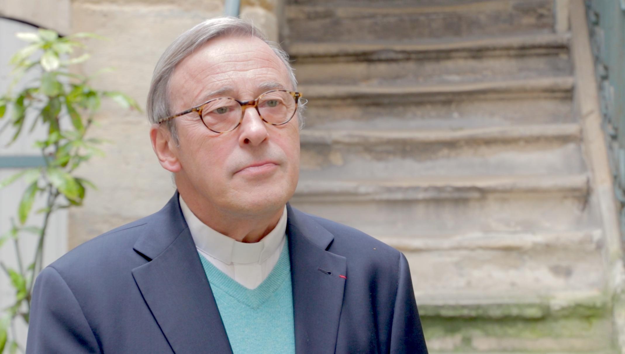 Monseñor Patrick Chauvet, rector de la Catedral de Notre-Dame confía en que las promesas de donaciones se harán efectivas.