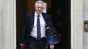 ديفيد ديفيس الوزير البريطاني المكلف بملف بريكسيت