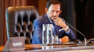 السلطان حسن البلقية في عاصمة بابوا غينيا الجديدة، في 18 نوفمبر/تشرين الثاني 2018