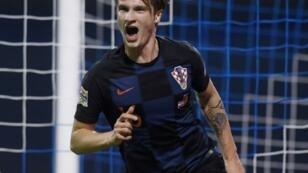 Le Croate Tin Jedvaj vient de marquer contre l'Espagne en Ligue des Nations, le 15 novembre 2018 à Zagreb