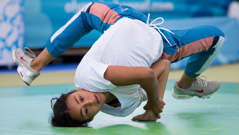 La francesa Carlota Dudek demuestra sus habilidades en los Juegos Olímpicos de la Juventud en Buenos Aires. 7/10/18