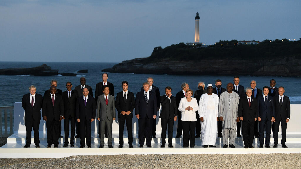 Los mandatarios de los países del G7 posan en una foto durante la cumbre en Biarritz, Francia, el pasado 25 de agosto, junto con otros jefes de estado de los países invitados