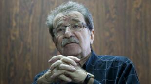 Fotografía de archivo del 5 de mayo de 2015 que muestra al político, economista y fundador del diario venezolano Tal Cual, Teodoro Petkoff, durante una entrevista en Caracas, Venezuela.