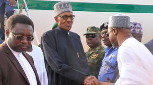 Le président nigérian Muhammadu Buhari à son arrivée à l'aéroport militaire de Kaduna, le 10 mars 2017.