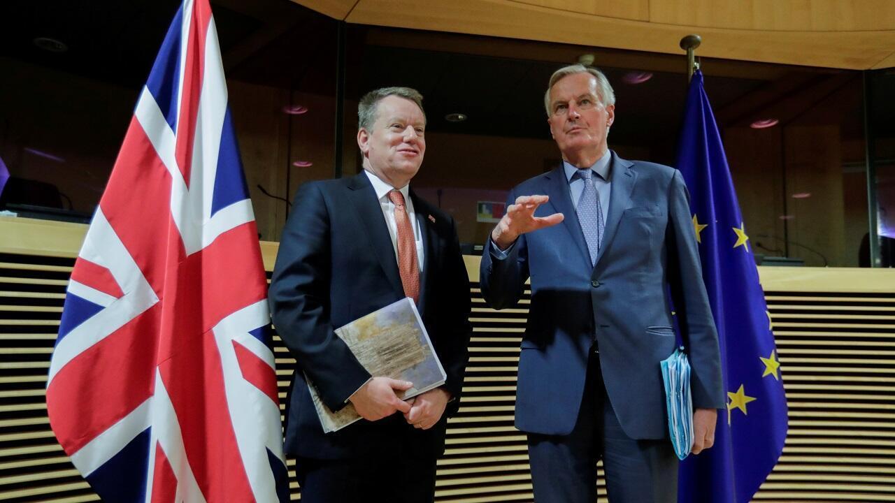 Le négociateur en chef de l'Union européenne sur le Brexit, Michel Barnier (à droite), et David Frost, le conseiller pour l'Europe du Premier ministre britannique, à Bruxelles le 23 juillet.