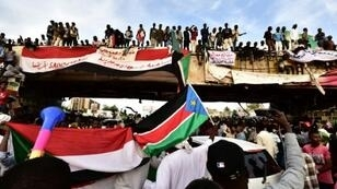 Sudanese protestors have kept up a sit-in outside army headquarters in Khartoum since April 6