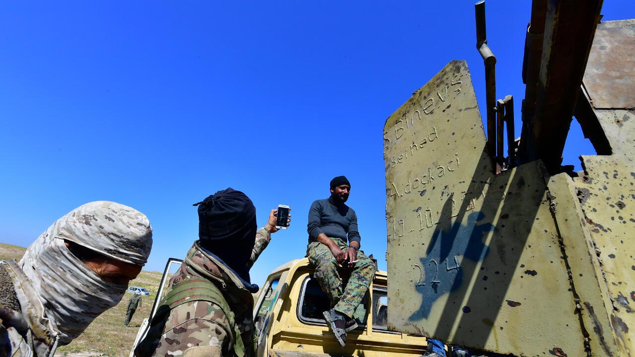 Des combattants des FDS près de Baghouz, en Syrie, le 20 mars 2019.