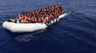 Sauvetage de plus de 300 migrants dans les eaux internationales, entre Malte et la Libye, le 18 août 2016.