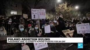 2020-10-27 10:11 Tens of thousands hit streets to decry Poland abortion ruling