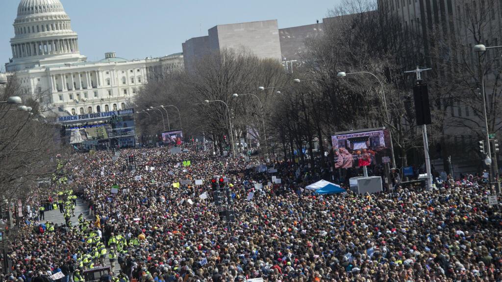"""Les organisateurs attendaient jusqu'à 500 000 personnes à Washington pour la """"Marche pour nos vies""""."""