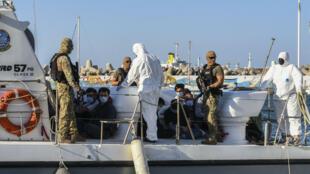 en-Turkey-migrants