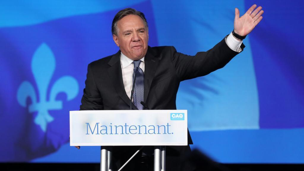 El líder de Coalición Avenir Quebec, François Legault, ante sus partidarios tras la victoria, 1 de octubre de 2018.