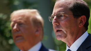Alex Azar (R) Donald Trump