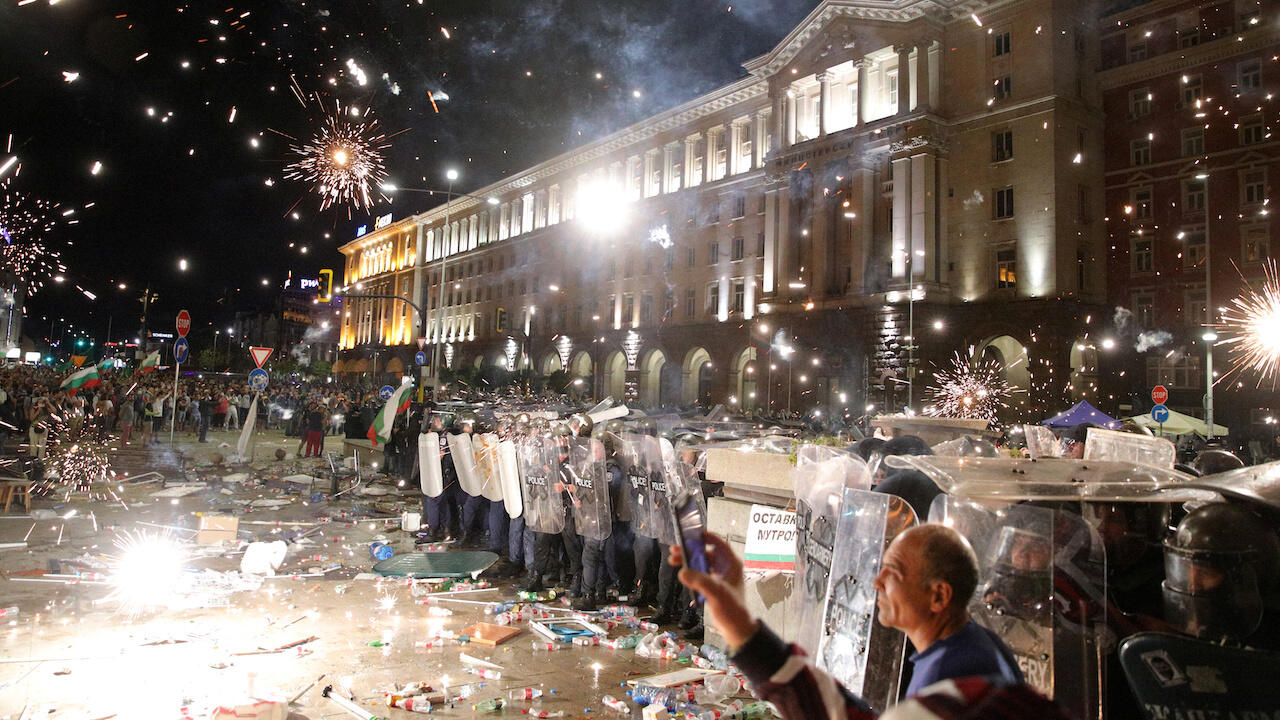 Anti-government protests turn tense in Bulgaria as thousands rally against  PM
