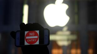Apple et le FBI s'affrontent depuis le 17 février autour de la sécurité des données stockées sur l'iPhone d'un des tireurs de San Bernardino.