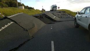 Un séisme d'une magnitude de 7,8 a abimé une autoroute à proximité de Oaro en Nouvelle-Zélande, le 14 novembre 2016.