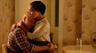 Les Loving (Joel Edgerton et Ruth Negga), couple mixte dans l'Amérique ségrégationniste des années 1950.