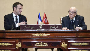 الرئيس التونسي الباجي قائد السبسي ونظيره الفرنسي إيمانويل ماكرون 31 كانون الثاني/يناير 2018