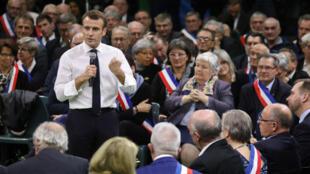 Emmanuel Macron, le 15 janvier 2019 à Grand Bourgtheroulde, lors du lancement du grand débat national.