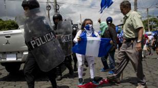 Manifestantes sanidinistas, opositores y la policía se enfrentaron en las calles de Managua. Los enfrentamientos dejaron dos personas heridas. Managua, Nicaragua. 2 de septiembre 2018.